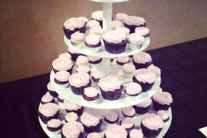 Suh-WEET! Cupcakes provided by Simply Sweets