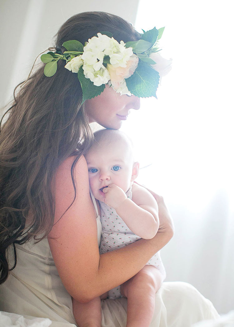 mother + child co sessions attempt to freeze moments in time